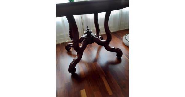 Antieke Franse kleine tafel