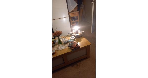 Oude manden, lampenkappen,oude fittingen en oude schakelaars