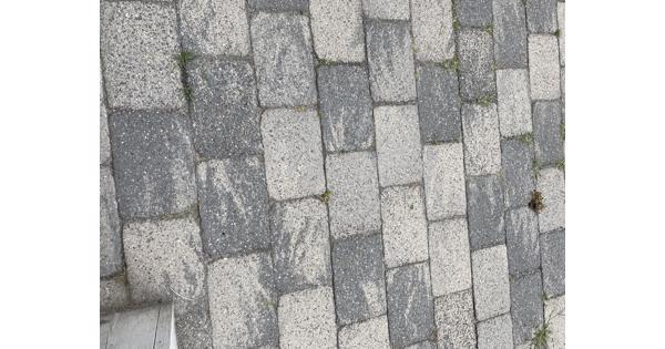 Gratis af te halen: 70 M2 Abbey Stones grijs/zwart 30X20X6