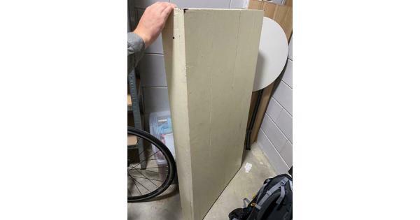 Gratis tafelblad houten plank voor bureau of eetkamertafel