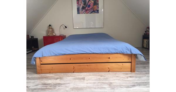 Bed inclusief matras en dekbed