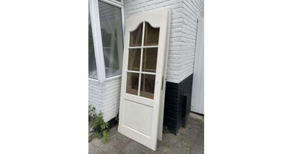 2 identieke deuren