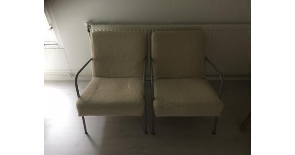 2 ikea feauteuils wit bont