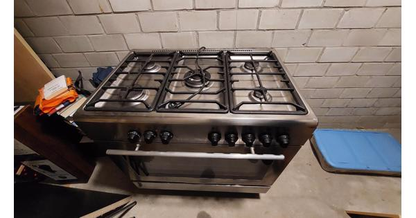 5 pits gasfornuis en oven