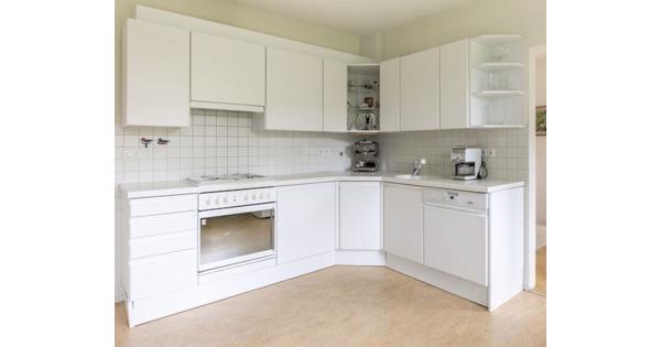 Witte keuken zelf demonteren zonder vaatwasmachine